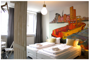 pyjama hostel bar hamburg st. Pauli reeperbahn industriemöbel design streetart hotel